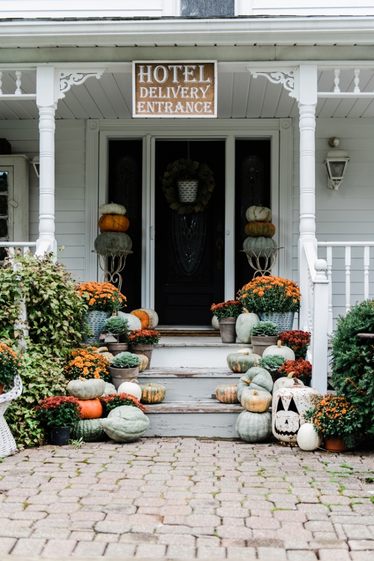 fall-porch-staifall-porch-stairs-liz-marie-blog_0001